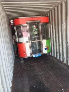 Eletricni kamion kontejnerski transport iz kina